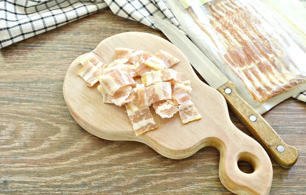 Фото рецепта - Макароны с беконом на сковороде - шаг 3