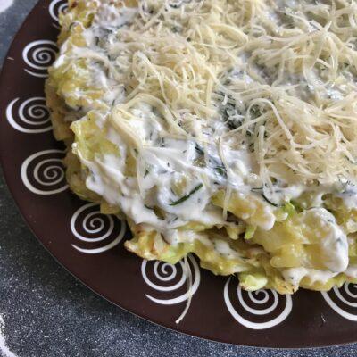 Торт из молодой капусты с сырной начинкой - рецепт с фото