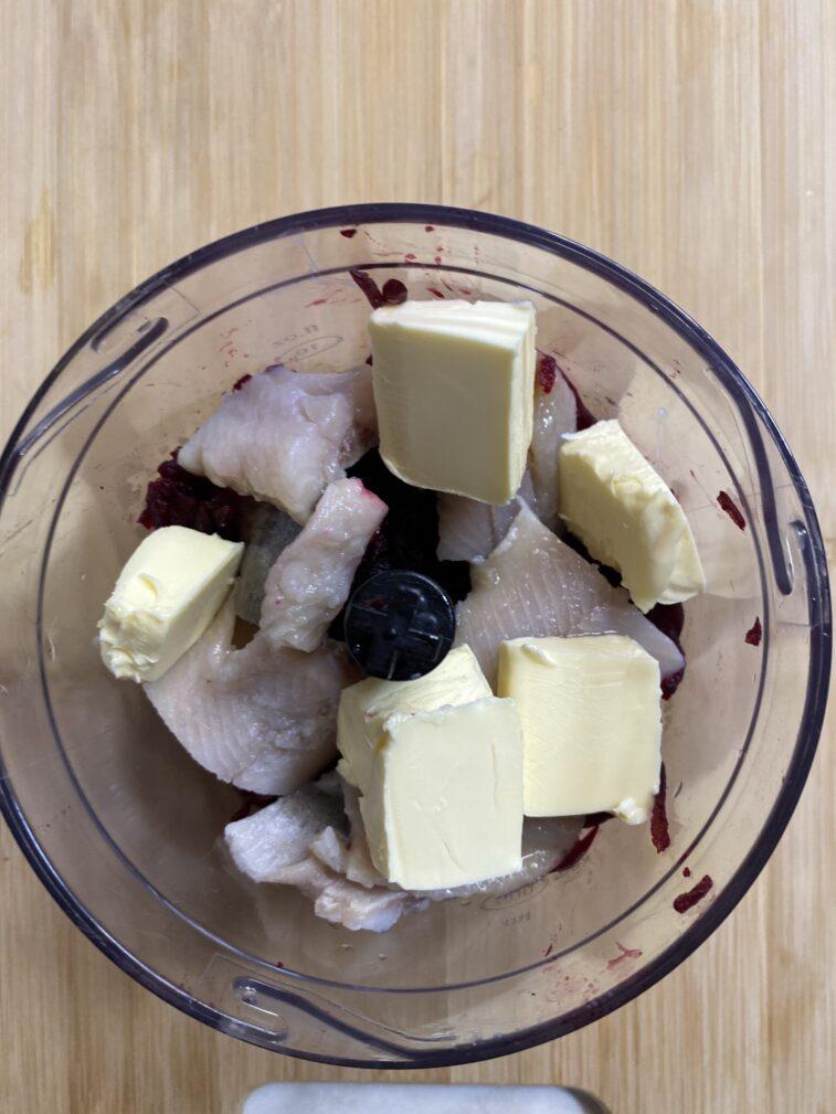 Фото рецепта - Намазка из сельди и свеклы - шаг 5