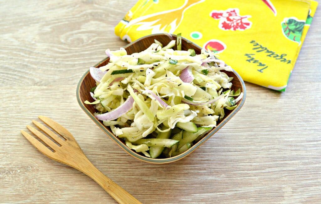 Фото рецепта - Капустный салат со сладким соусом - шаг 6