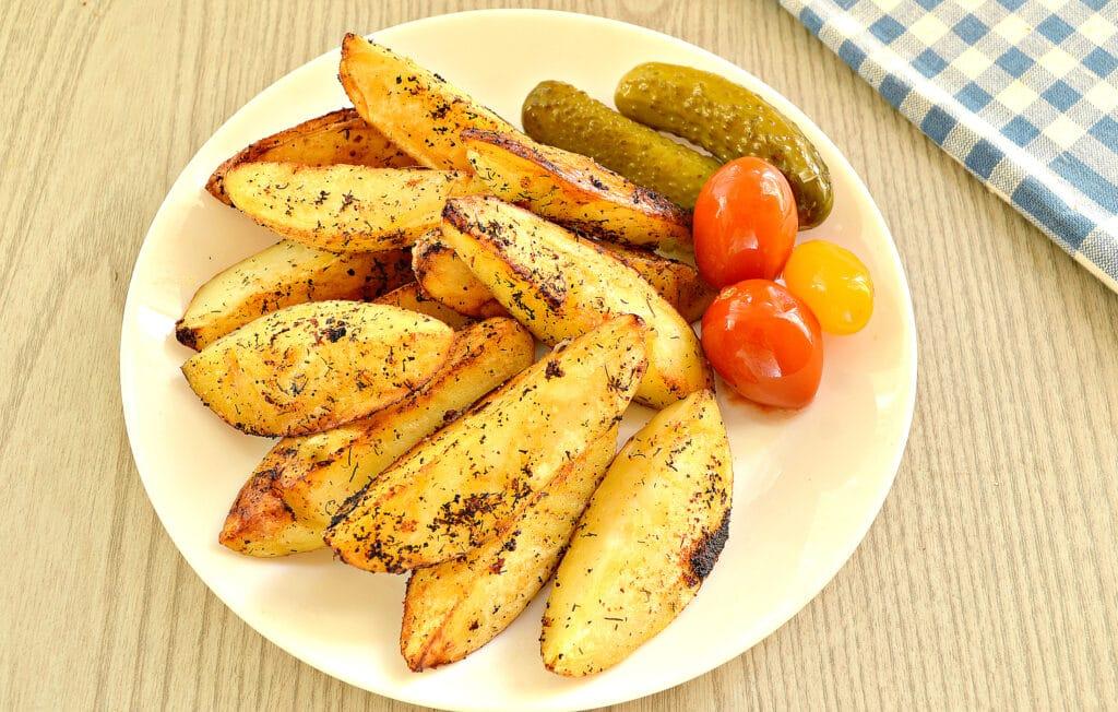 Фото рецепта - Картофель по-деревенски на сковороде - шаг 6