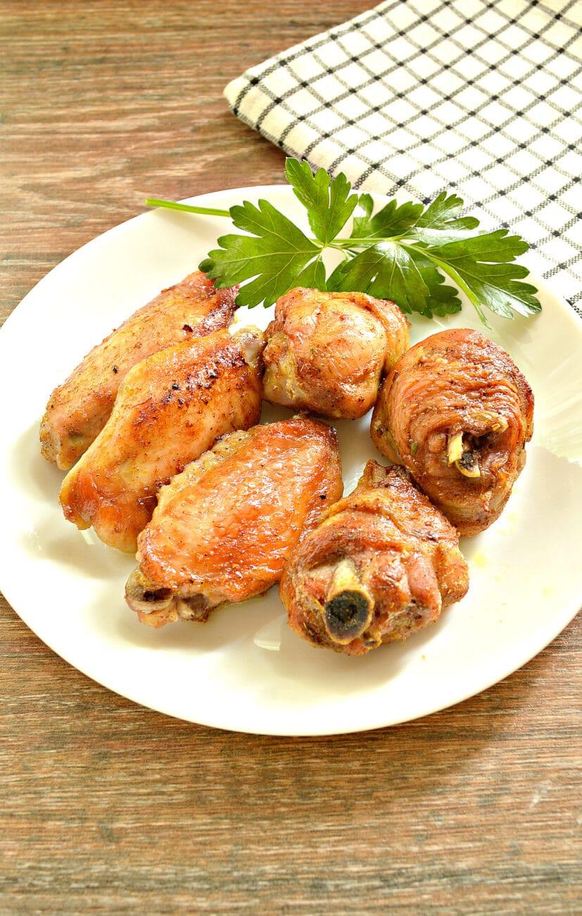 Куриные крылышки, запечённые в пиве, в духовке