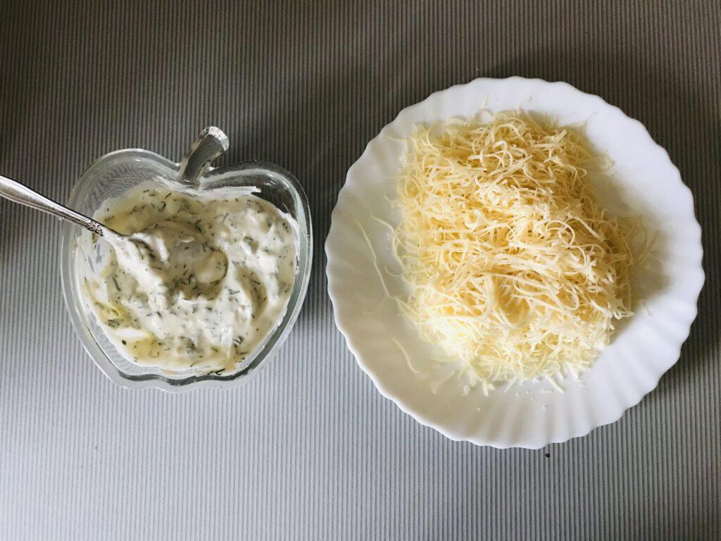 Фото рецепта - Торт из молодой капусты с сырной начинкой - шаг 6