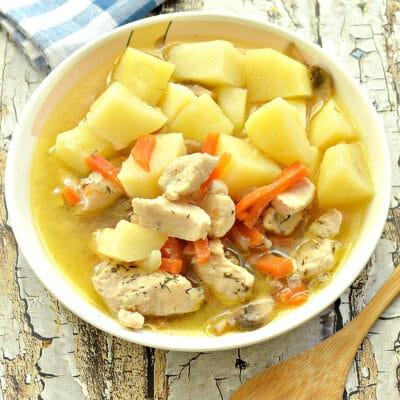 Куриное филе, тушенное с грибами и картофелем - рецепт с фото