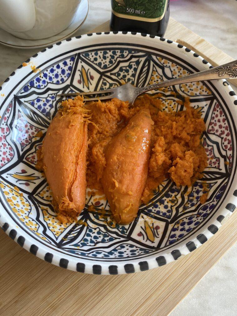 Фото рецепта - Жареный морской окунь с бататом - шаг 9