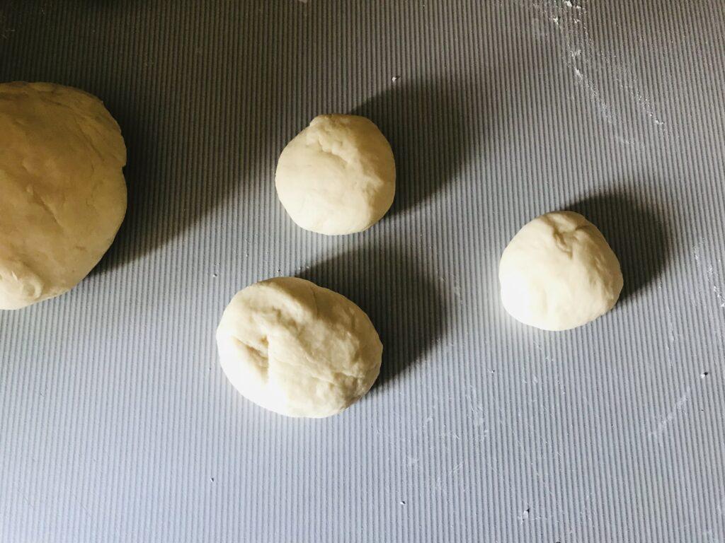 Фото рецепта - Беляши из дрожжевого теста со свиным фаршем - шаг 5
