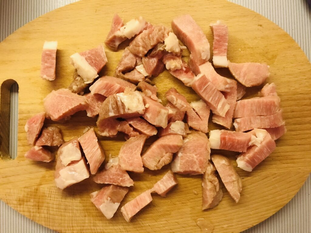 Фото рецепта - Быстрый плов со свининой в казане - шаг 1