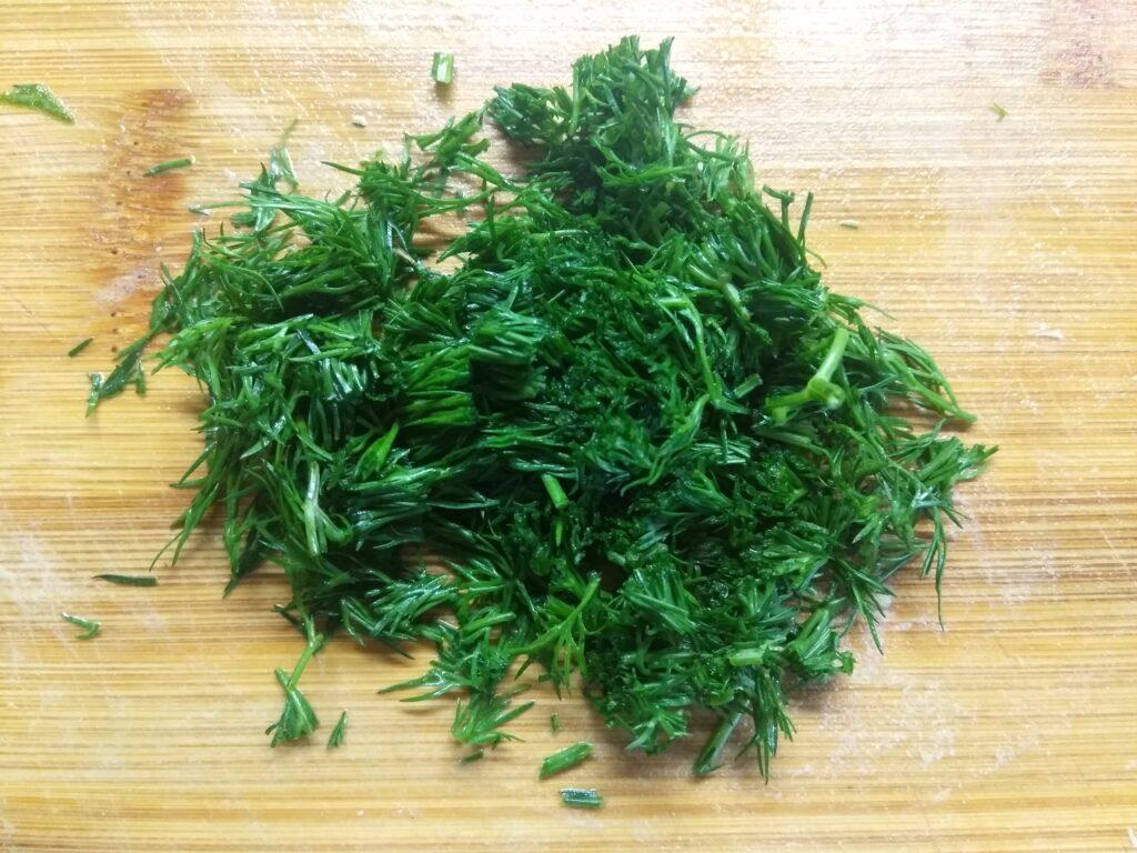 Фото рецепта - Салат из капусты, буженины, огурца и яиц - шаг 6