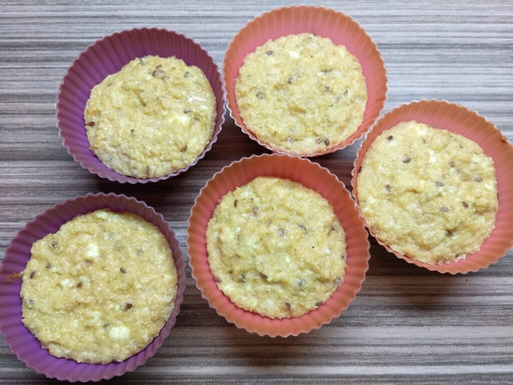 Фото рецепта - Творожные кексы на овсянке с бананом - шаг 9