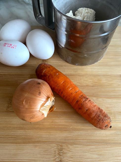Фото рецепта - Суп с клёцками и овощами - шаг 2