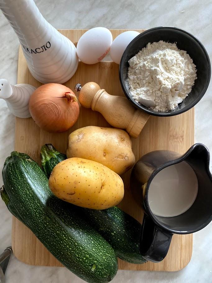 Фото рецепта - Картофельные котлеты с цукини - шаг 1