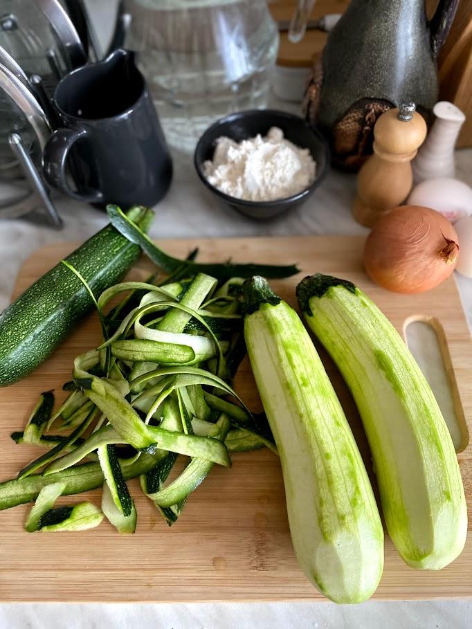 Фото рецепта - Картофельные котлеты с цукини - шаг 3