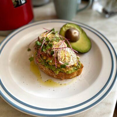 Полезный бутерброд к завтраку - рецепт с фото