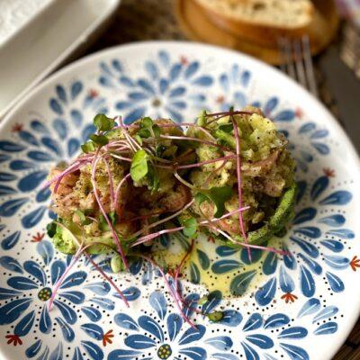 Фаршированные авокадо - рецепт с фото