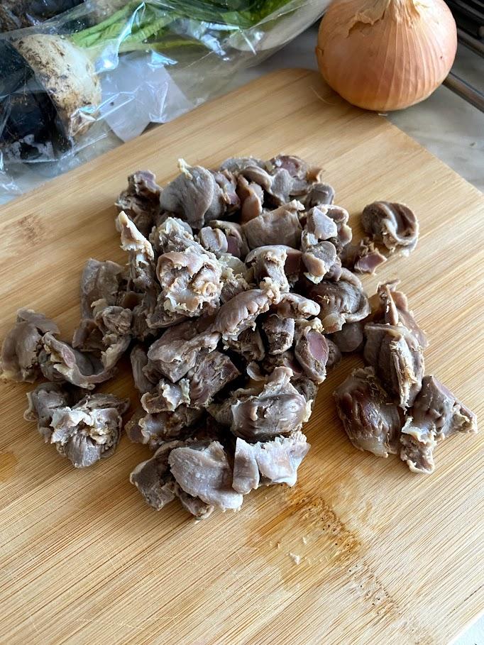Фото рецепта - Куриные желудочки с репкой - шаг 3