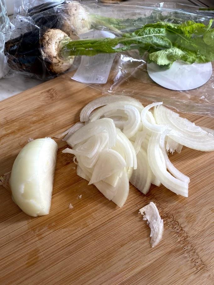 Фото рецепта - Куриные желудочки с репкой - шаг 5