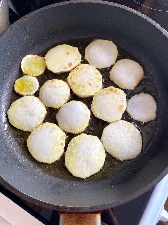 Фото рецепта - Куриные желудочки с репкой - шаг 10