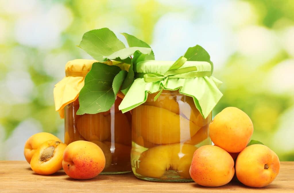 Фото рецепта - Компот из абрикосов - шаг 5
