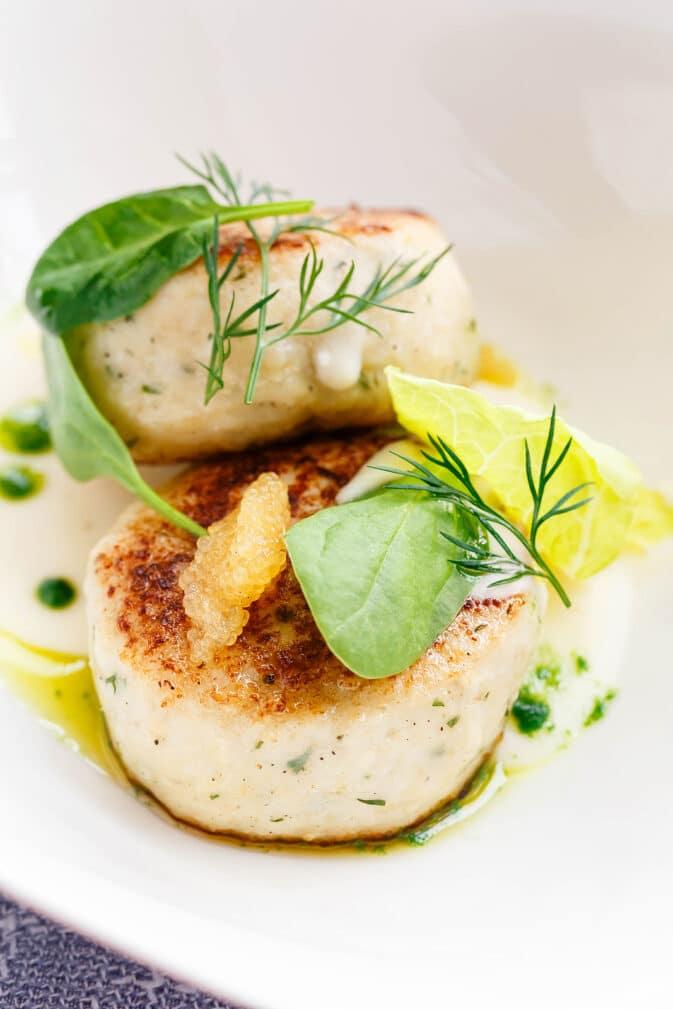 Фото рецепта - Котлеты из лосося и трески - шаг 6