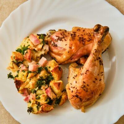 Курица с запеченным картофелем и беконом - рецепт с фото