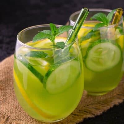 Огуречный напиток с лимоном и мятой