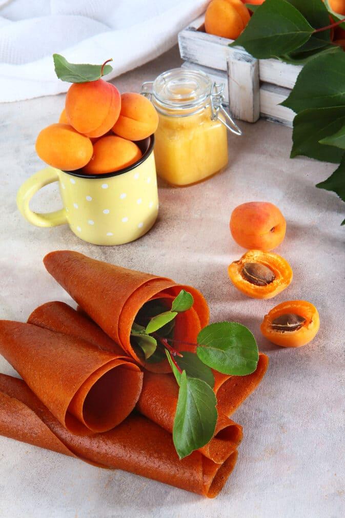Фото рецепта - Пастила из абрикосов (десерт) - шаг 6