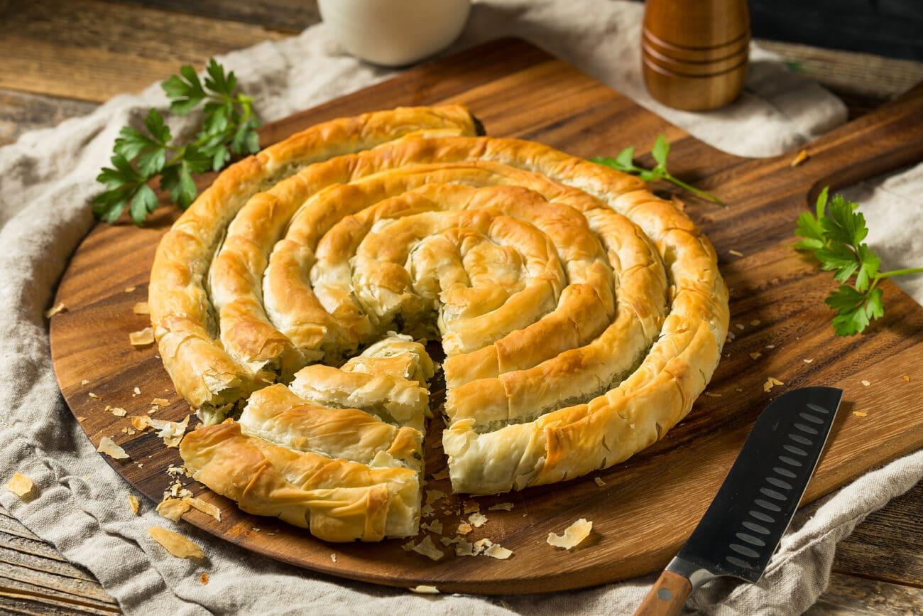 """Пирог """"Улитка"""" со шпинатом и сыром фета"""