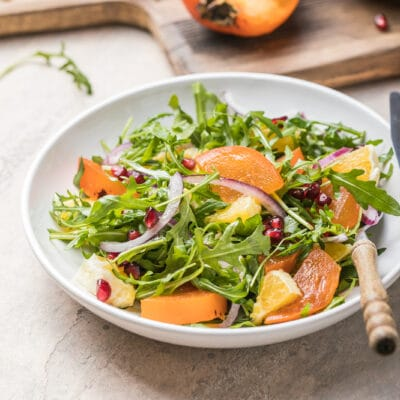 Салат из хурмы с рукколой и апельсином