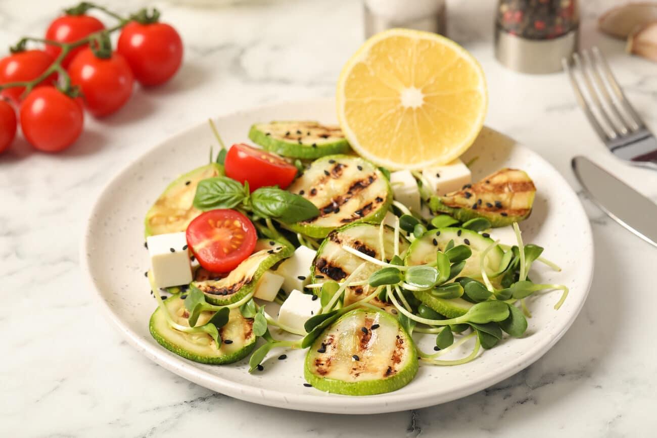 Салат с кабачками-гриль