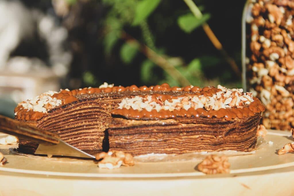 Фото рецепта - Шоколадный блинный торт - шаг 6