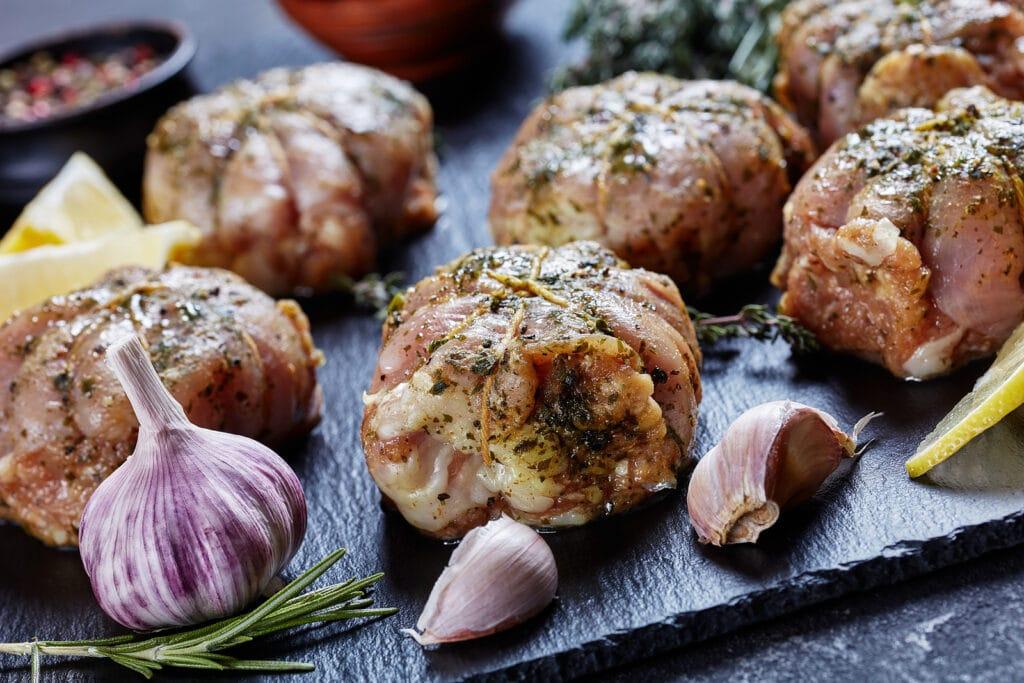 Фото рецепта - Кролик тушеный в сливочно-горчичном соусе - шаг 3