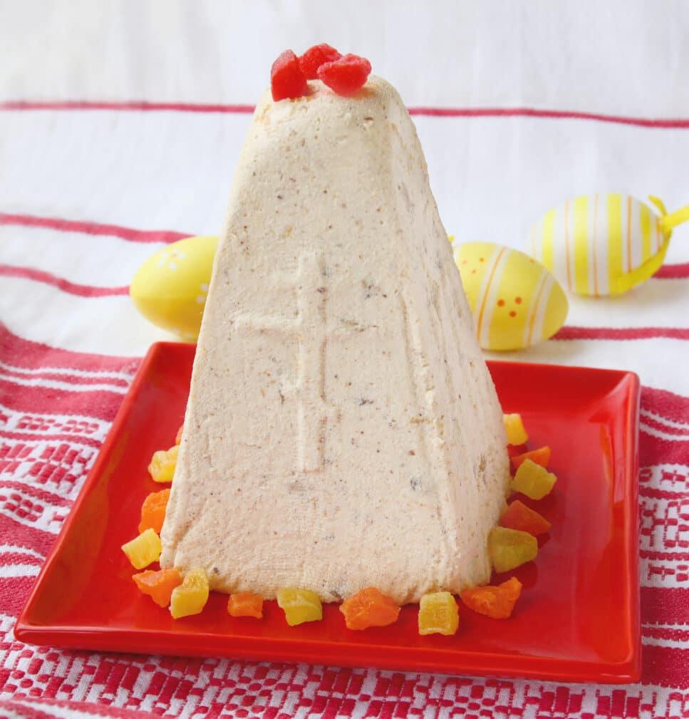 Фото рецепта - Творожная пасха со сгущенкой и орехами - шаг 8