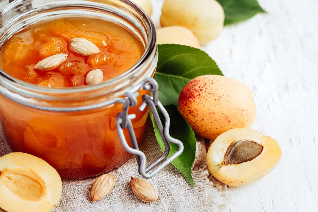Фото рецепта - Варенье из абрикосов - шаг 8