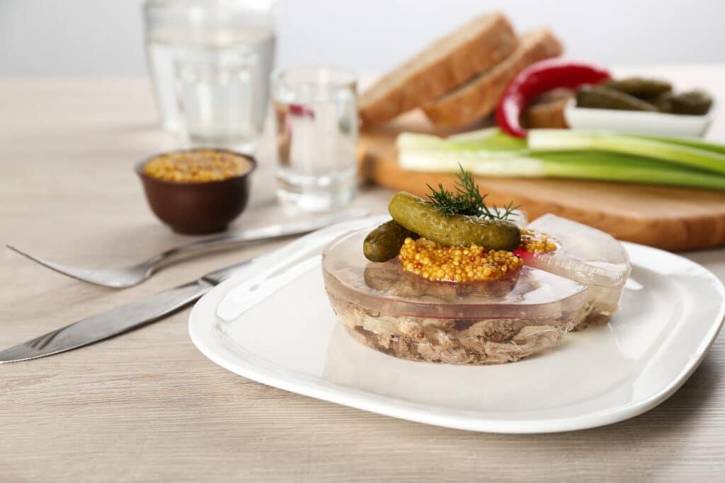 Фото рецепта - Заливное с мясом - шаг 8