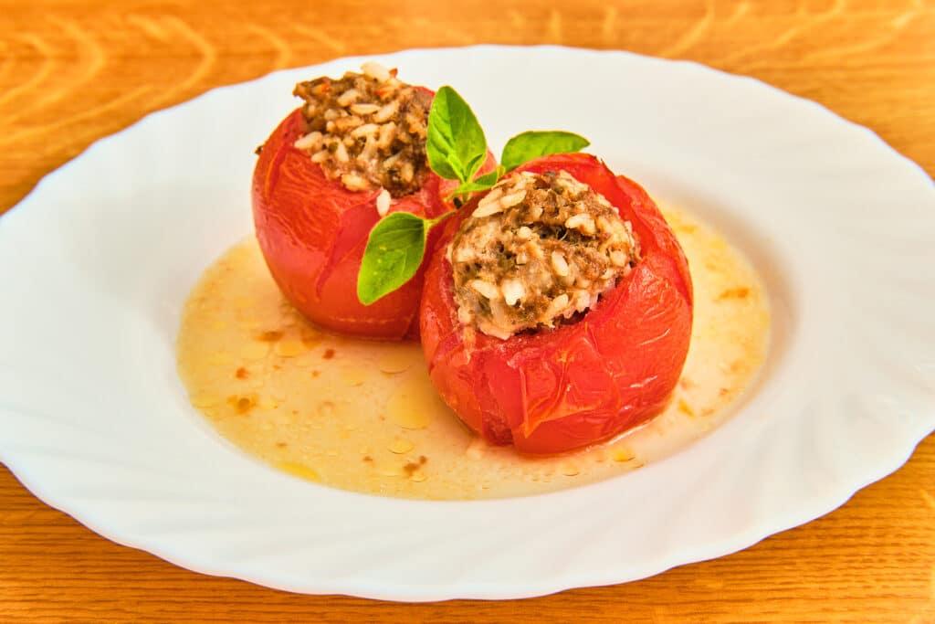 Фото рецепта - Запеченные помидоры, фаршированные фаршем и рисом - шаг 8
