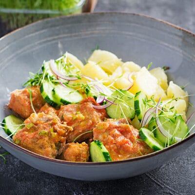 Жареное рыбное филе с гарниром из картофеля - рецепт с фото