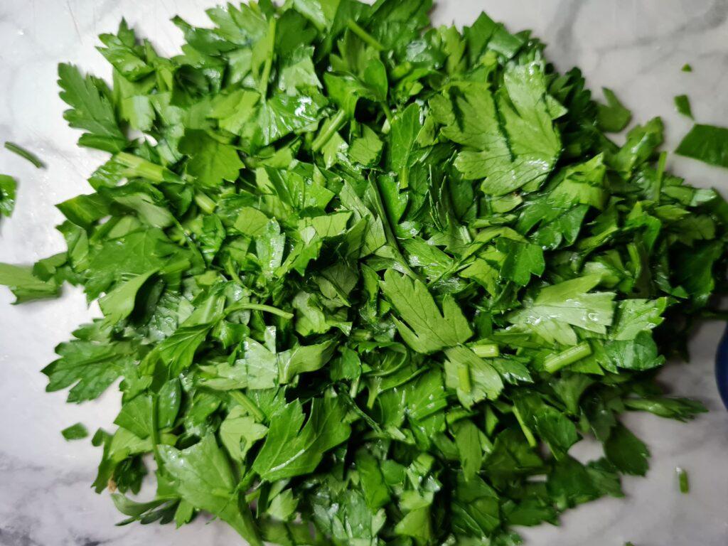 Фото рецепта - Тушёная говядина с овощами в казане - шаг 6