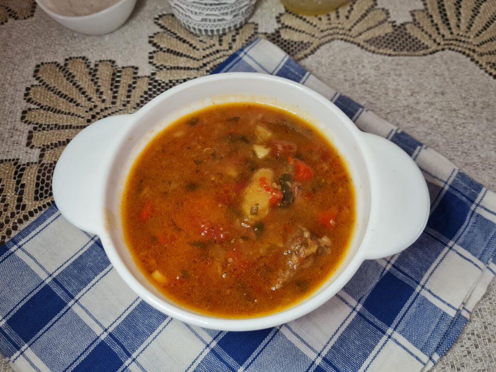 Фото рецепта - Тушёная говядина с овощами в казане - шаг 10