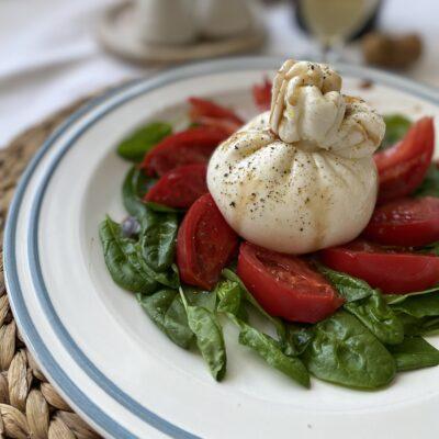 Салат с бурратой - рецепт с фото