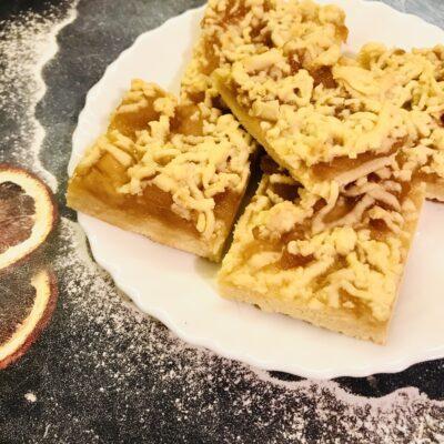 Песочный пирог-крошка с яблочным повидлом - рецепт с фото