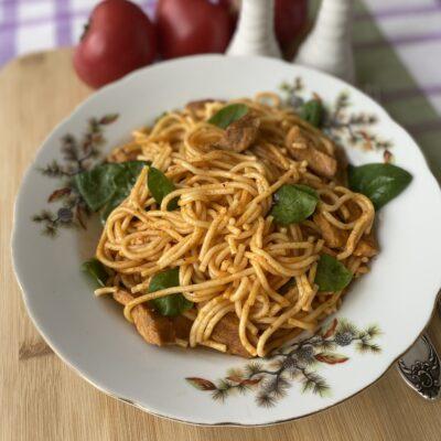 Паста со свининой и шпинатом - рецепт с фото