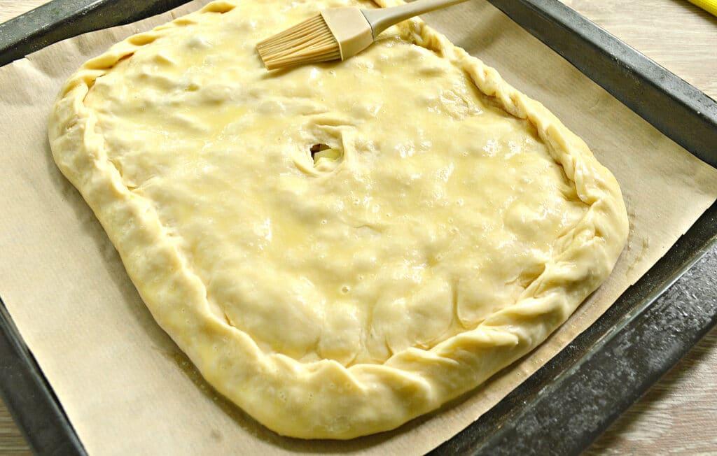 Фото рецепта - Картофельный пирог с грибами (тесто на кефире) - шаг 6