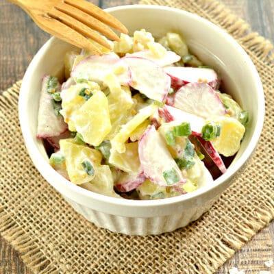 Картофельный салат с редисом - рецепт с фото