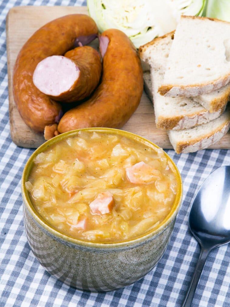 Фото рецепта - Бигос – квашеная капуста с колбаской - шаг 8