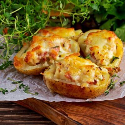 Фаршированная картошка с цветной капустой и сыром