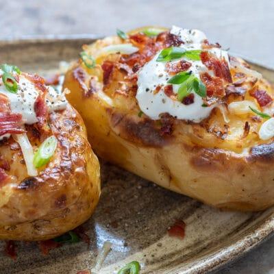 Фаршированный картофель с грудинкой и сыром