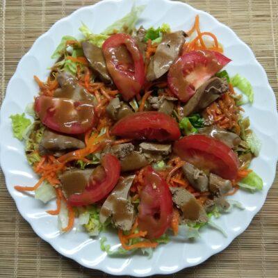 Салат с куриной печенью и овощами - рецепт с фото