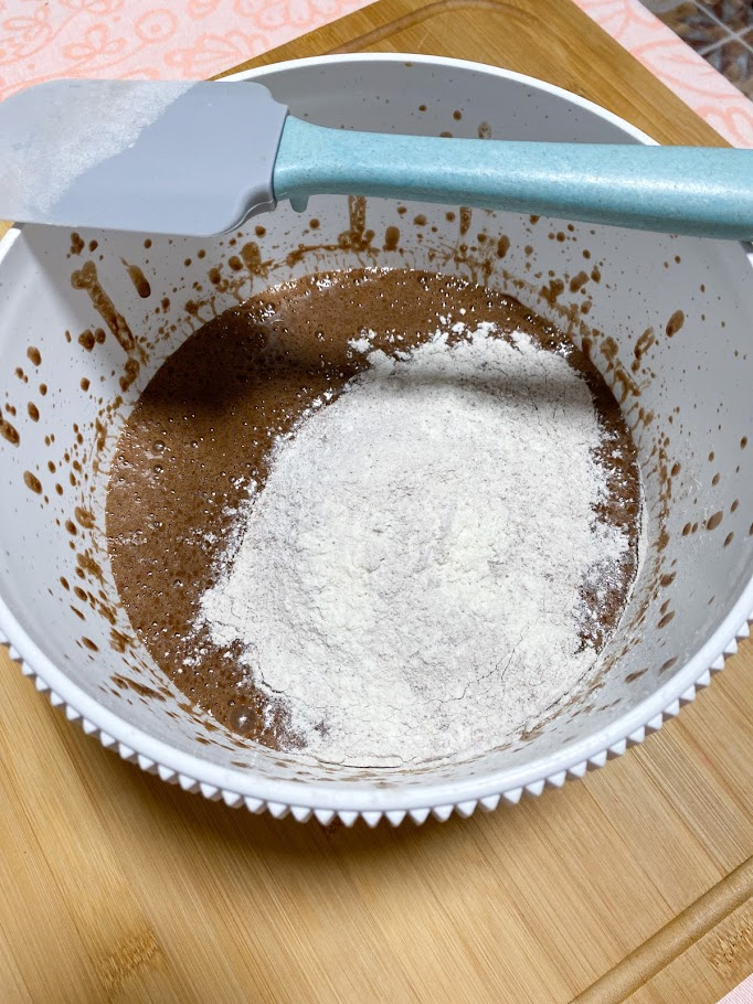 Фото рецепта - Шоколадные маффины - шаг 8