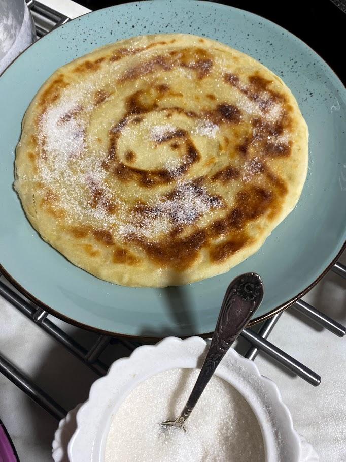 Фото рецепта - Слоеные лепешки с сахаром - шаг 13