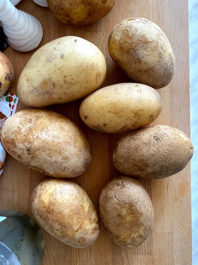 Фото рецепта - Картофель с начинкой в духовке - шаг 2